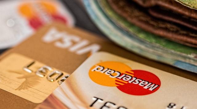 Proč musím u půjčky zasílat 1 Kč?